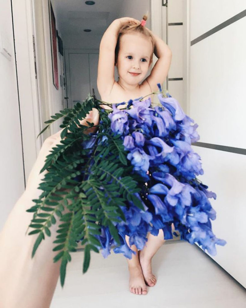 mae veste filha com legumes frutas ilusao de optica 28
