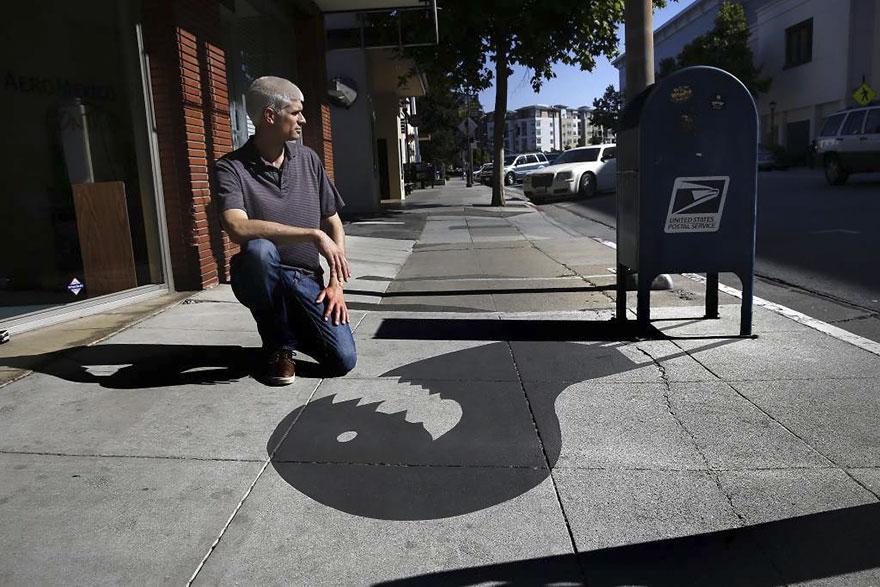 Artista pinta sombras falsas e confunde as pessoas 02