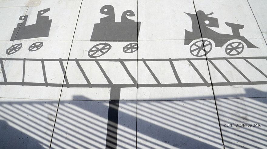 Artista pinta sombras falsas e confunde as pessoas 16