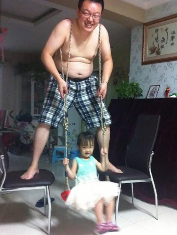 crianças não devem ser deixadas sozinhas com o pai 07