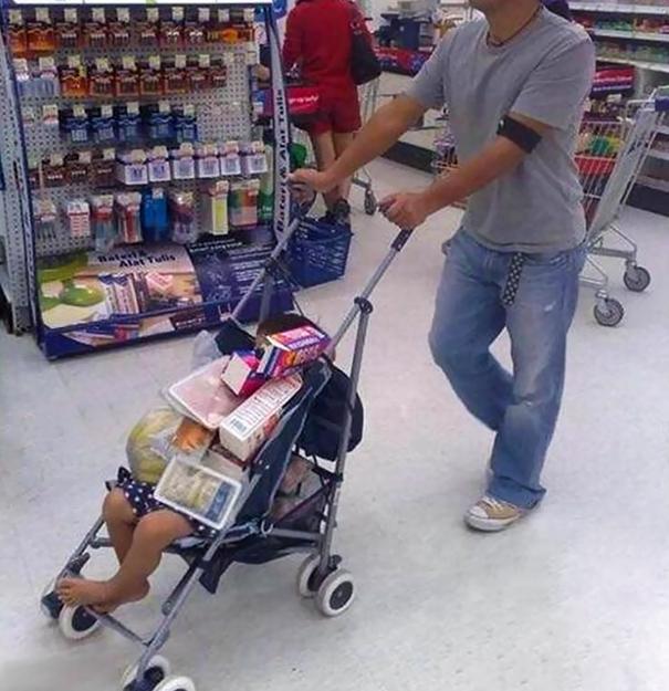 crianças não devem ser deixadas sozinhas com o pai 32